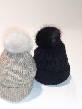 Cappello donna Trussardi di lana con risvolto e pom pon